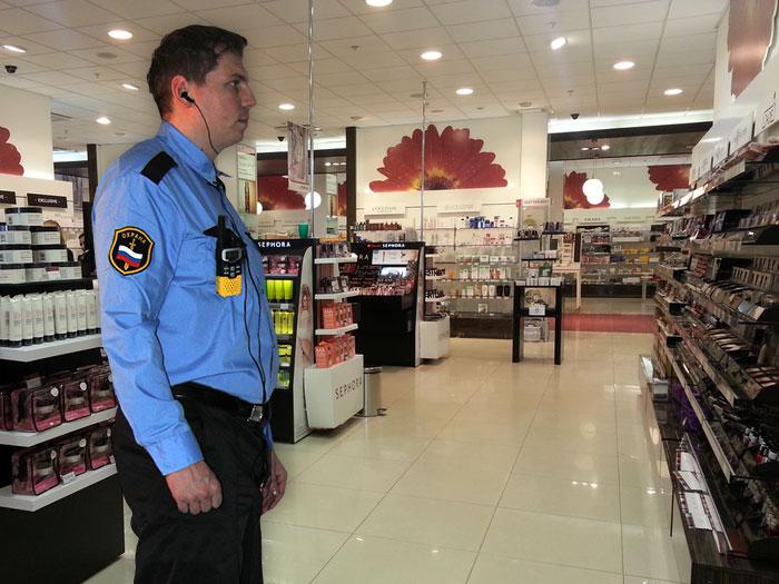 Охрана в торговом центре